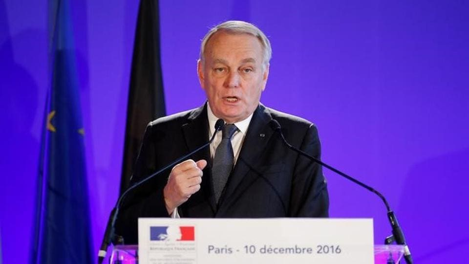 France has called for an immediate UN Security Council resolution to discuss alleged atrocities being carried out in eastern Aleppo.