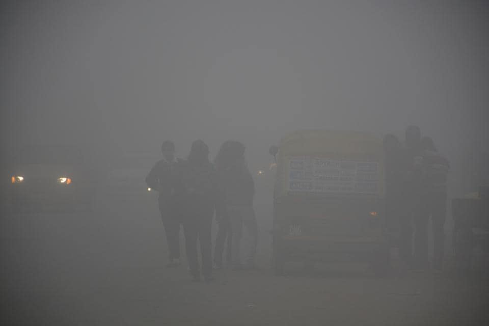A report says that 811 flights were affected because the airlines were not prepared and 97 were affected because of the weather at Delhi airport during the first three days of dense fog.