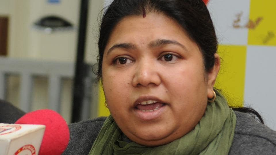 Yamini Gomar at the press conference in Jalandhar where she announced her decision to quit the AAP, on Tuesday.
