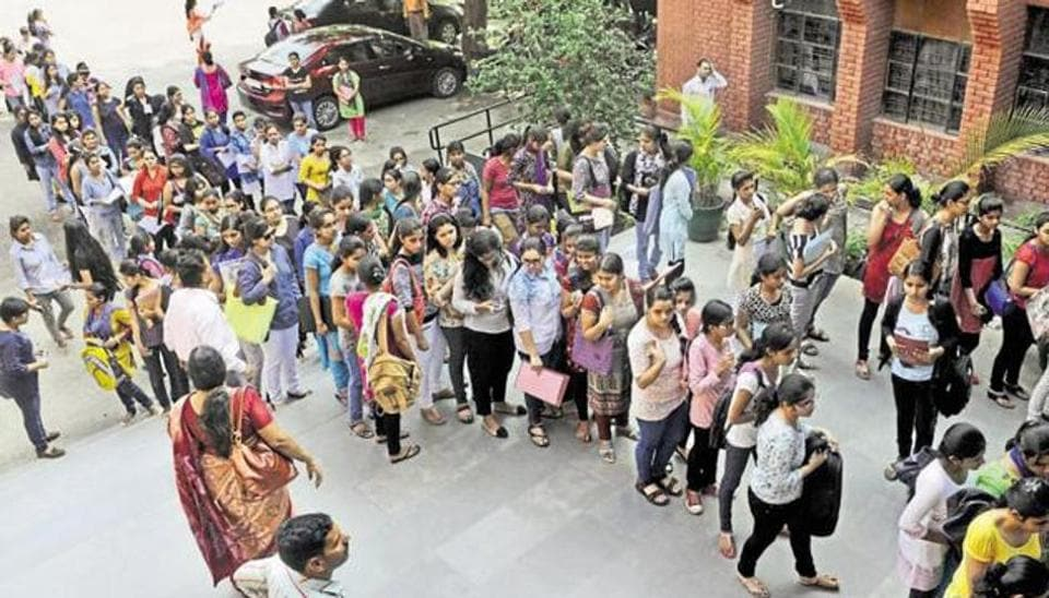 Outsation students,Students in Delhi,Universities in Delhi
