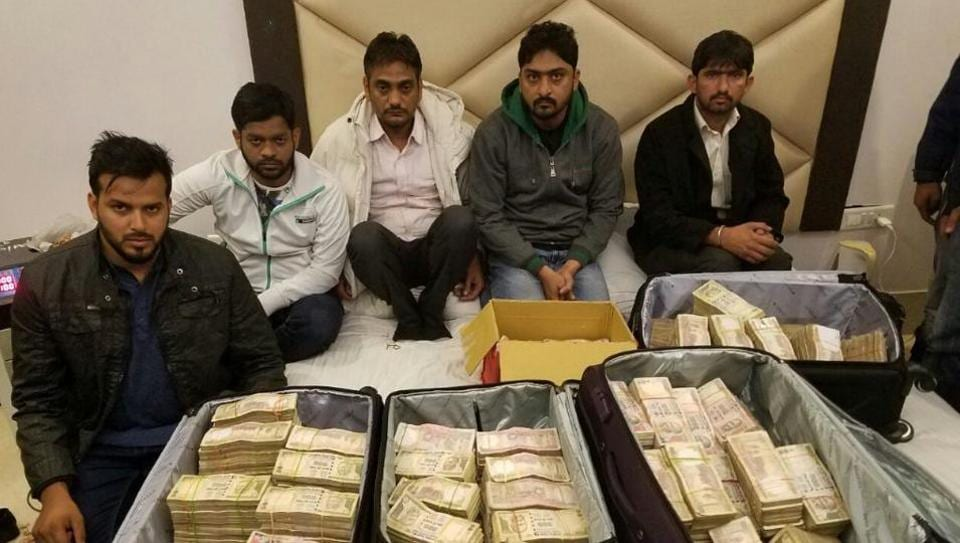 5 held in Delhi with Rs 3.25 crore in scrapped currencies
