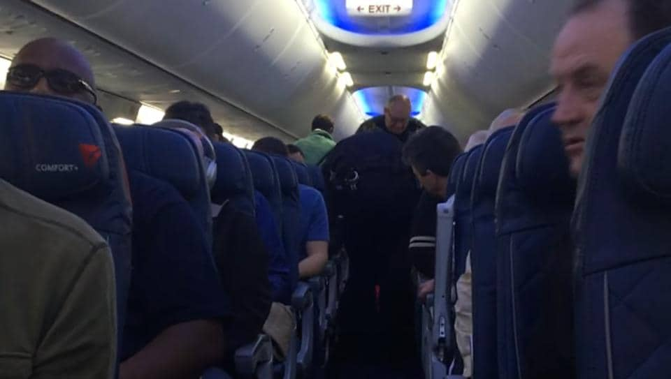 Woman dragged off Delta Airlines plane in Detroit