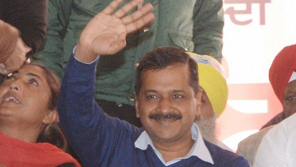 Arvind Kejriwal,Najeeb Jung,AAP