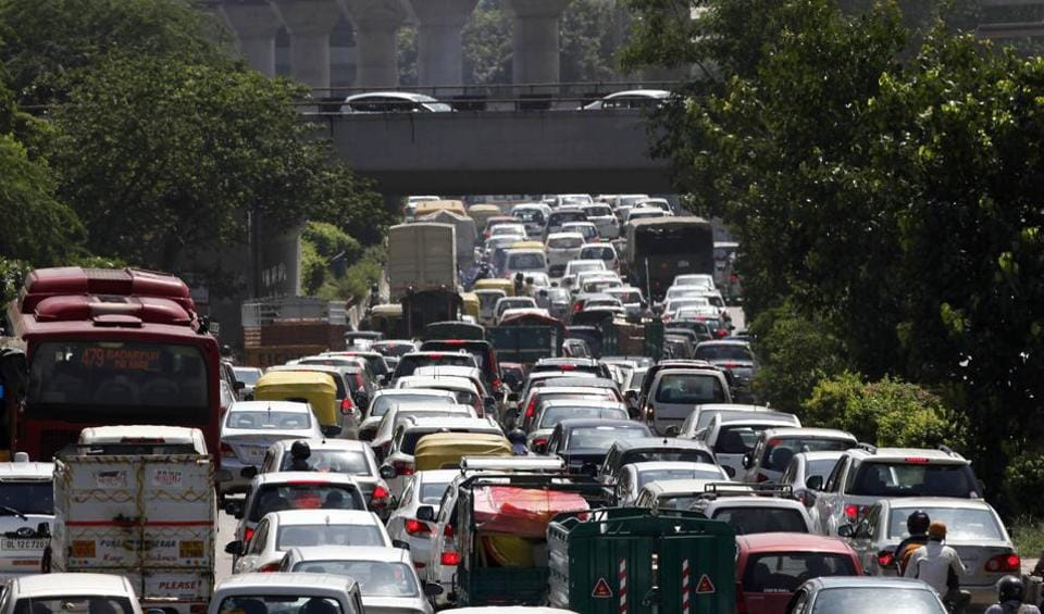 traffic jam 2 essay Ielts writing task 2/ ielts essay: you should spend about 40 minutes on this task car ownership has increased so rapidly over the past thirty years that many cities in the world are now 'one big traffic jam.