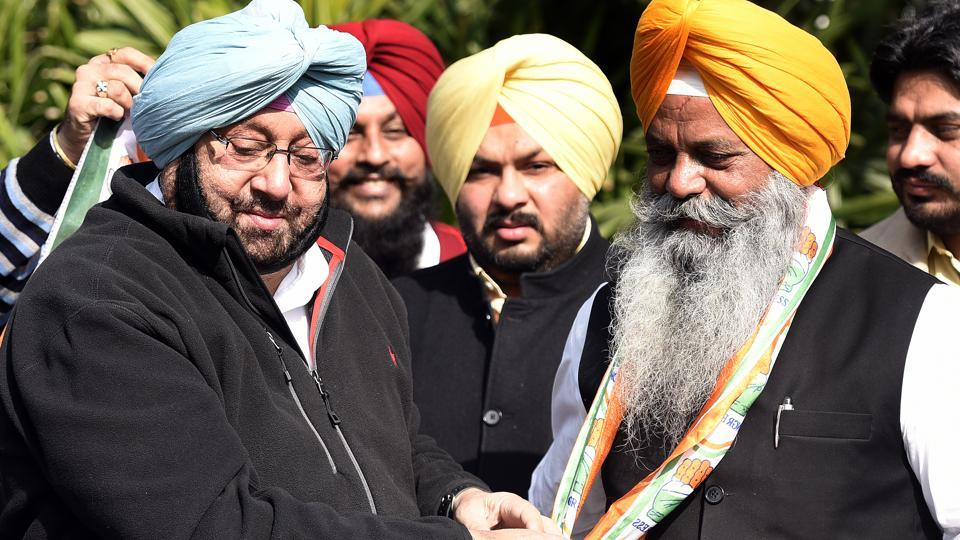 Punjab Congress chief Capt Amarinder Singh with Amrik Aliwal at his Residence in New Delhi, India on Wednesday.