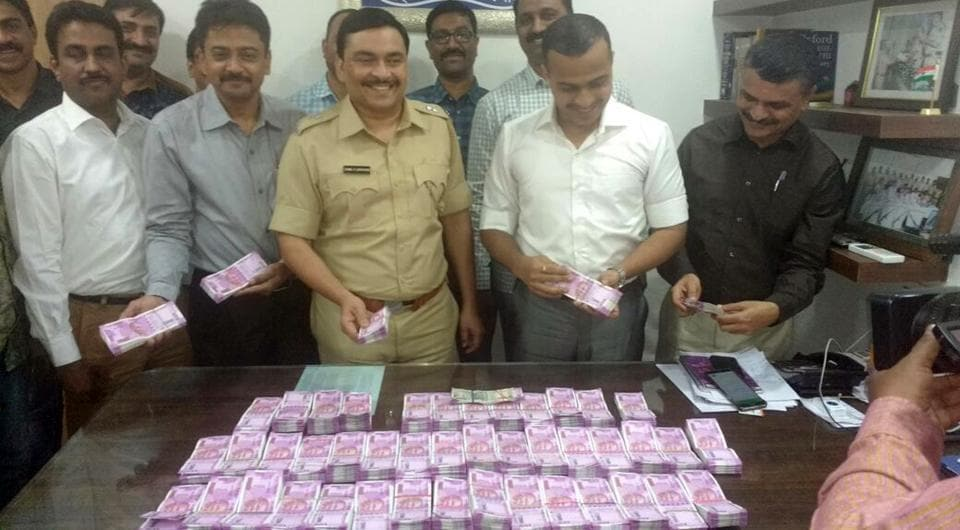 Police seize currency