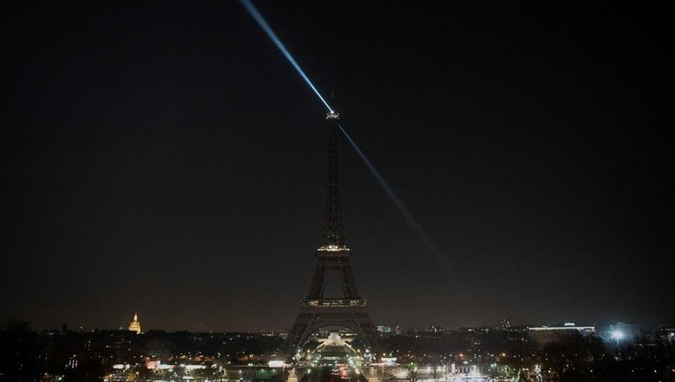 The lights of the Eiffel Tower were switched off in support of the Syrian city of Aleppo.