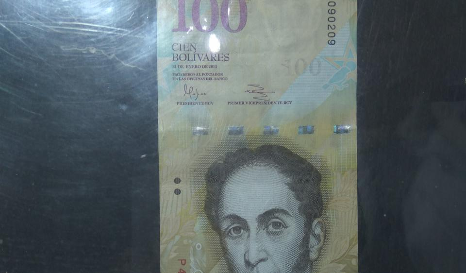 Venezuelan 100-Bolivare currency which would be demonetised today post-midnight.