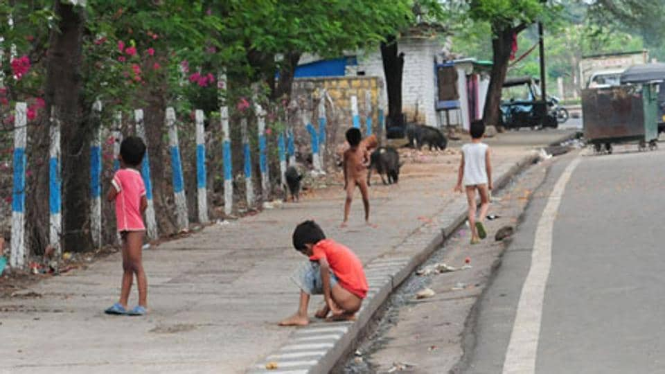 around 450 million people in india defecate in open govt