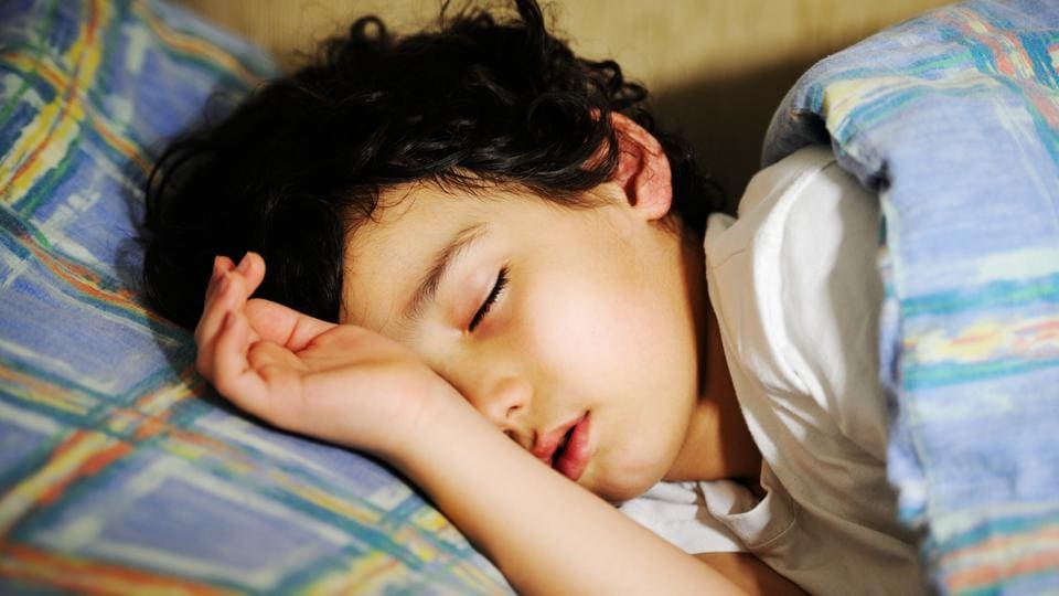 When school started up to 60 minutes later, students slept for an extra 19 minutes a night during the week, and when school started more than 60 minutes later students gained around 53 minutes of extra sleep a night.
