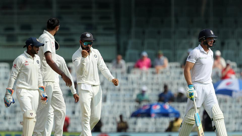 With two quick wickets, Virat Kohli was aiming to restrict England to under 400. (BCCI)