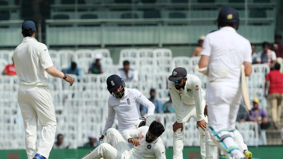 Ravindra Jadeja collided with Adil Rashid as the England batsman set off for a quick single. However, both players were fine. (BCCI)