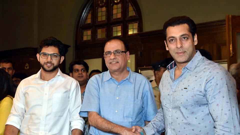 Actor Salman Khan and Yuva Sena president Aditya Thackeray during the launch of anti open-defecation campaign in Mumbai on December 17.