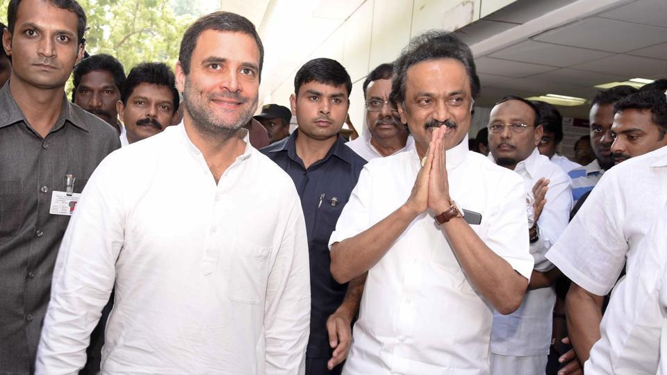 Congress vice president Rahul Gandhi, along with DMK treasurer M KStalin visited Karunanidhi today at Kauvery Hospital in Chennai.