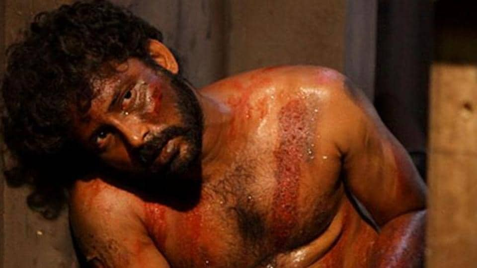 Visaaranai deals with police brutality.