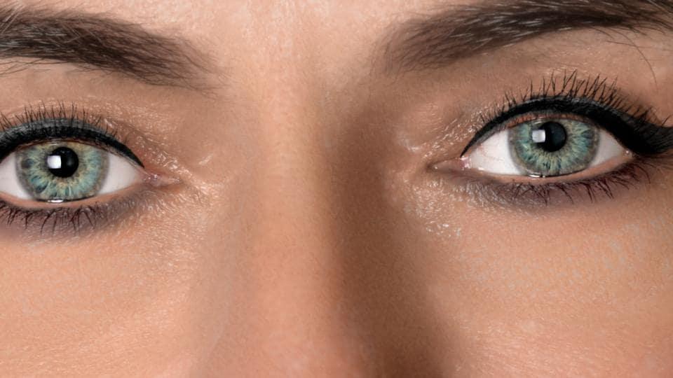Blue eyes,Green eyes,Brown eyes