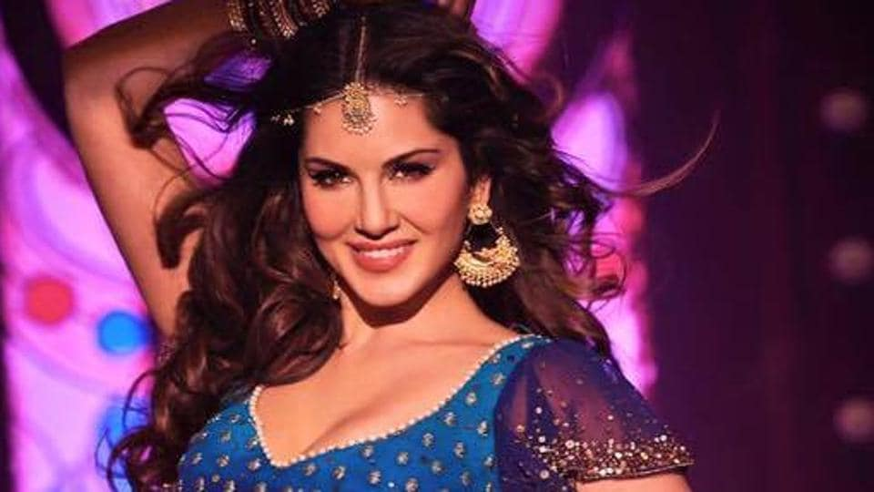 Sunny Leone will be seen seducing Shah Rukh Khan in Laila Main Laila from Raees.