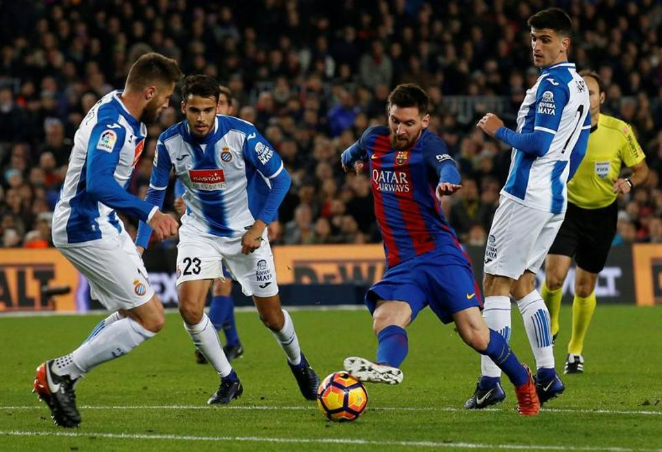 Barcelona's Lionel Messi produced two exhilarating solo runs in the space of a minute in the second half which led to Luis Suarez and Jordi Alba scoring against Espanyol.