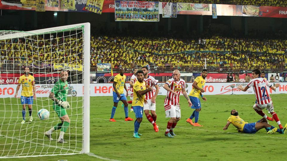 The visitors struck back with a header of their own. Henrique Sereno of Atletico de Kolkata scored in the 44th minute. (Ron Gaunt / ISL / SPORTZPICS)