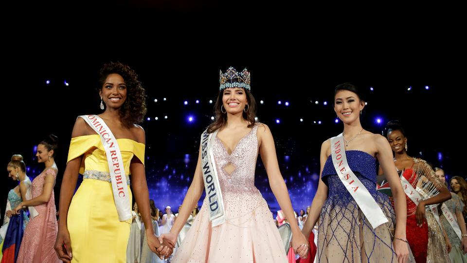 Miss World Stephanie Del Valle of Puerto Rico (C) stands with first runner up Miss Dominican Republic Yaritza Miguelina Reyes Ramirez (L) and second runner up Miss Indonesia Natasha Mannuela at the conclusion of the the Miss World 2016 pageant in Oxen Hill, Maryland, US. (Joshua Roberts/REUTERS)