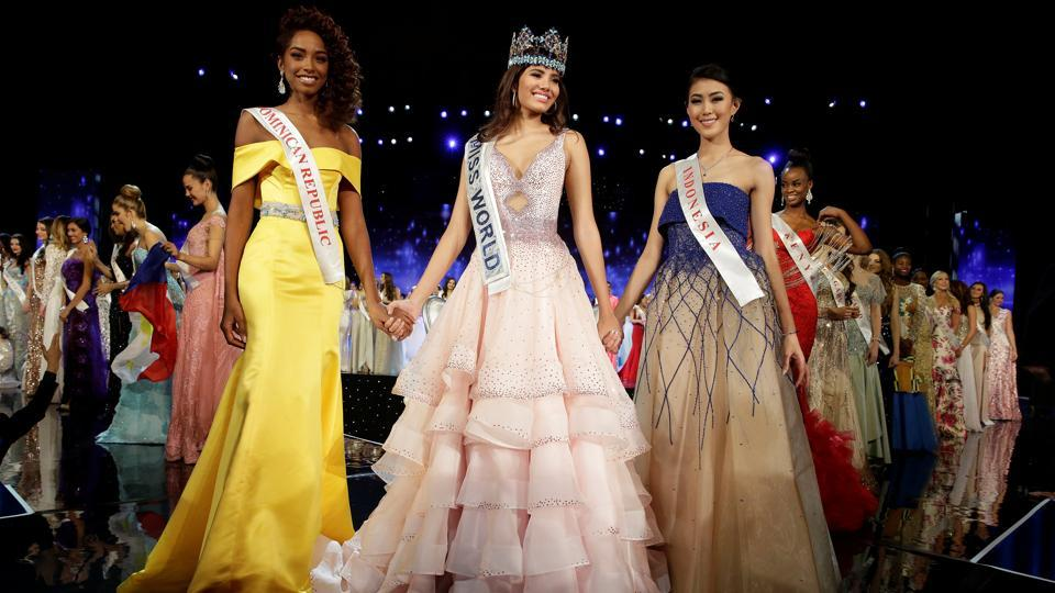 Winner of Miss World Miss Puerto Rico Stephanie Del Valle (C) stands with first runner up Miss Dominican Republic Yaritza Miguelina Reyes Ramirez (L) and second runner up Miss Indonesia Natasha Mannuela during the Miss World 2016 Competition in Oxen Hill, Maryland, US. (Joshua Roberts/REUTERS)