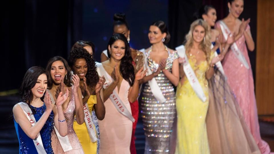 Contestants applaud during the Grand Final of the Miss World 2016 pageant at the MGM National Harbor. (Zach Gibson/AFP)