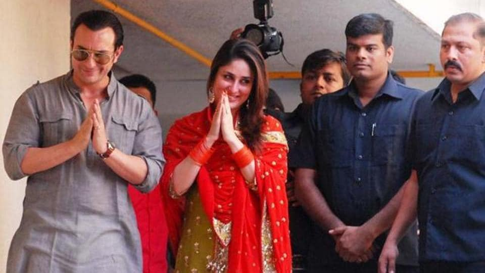 Saif Ali Khan Kareena Kapoor Greeting Media After Their Wedding In October 2012