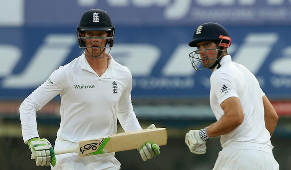 Keaton Jennings and Alastair Cook shared a solid opening partnership to help England survive the first session on the final day of the Chennai Test versus India.