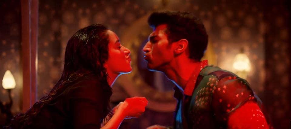 Humma Humma,Bollywood remakes,Aaj Jaane Ki Zid