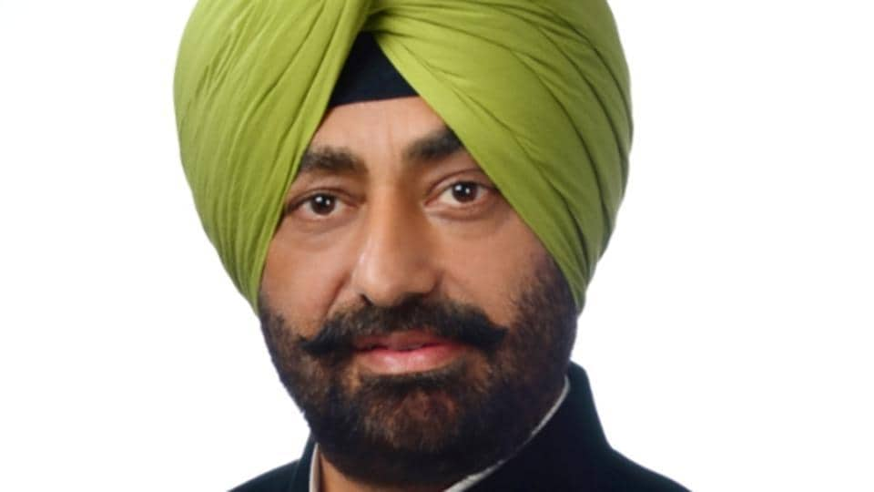 Sukhpal Khaira said the Badals have looted the people of Punjab and amassed huge properties and promoted their businesses be it transport, hotels, cable, mining or liquor trade.