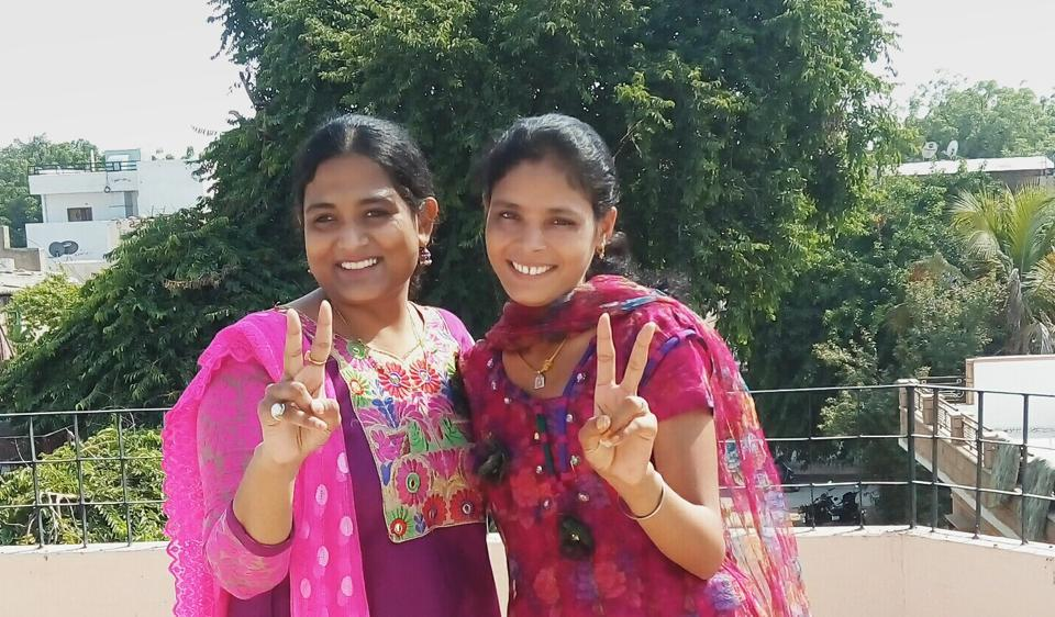 Child marriage victim Santa Maghwal (R) filed a petition for annulment of her child marriage at a Jodhpur family court in May 2015. By October the same year, she had become a free woman. (L) Child rights activist Kriti Bharti.