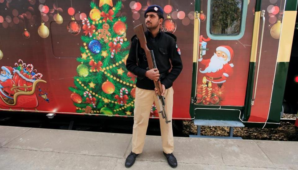Pakistan,Christmas train,Muslims