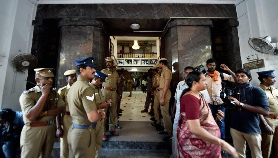 Chennai: Police personnel stands at the main entrance of Tamil Nadu State Secretariat during the raid at the chamber of chief secretary P Ramamohana Rao, Chennai, December 21