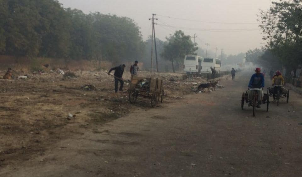 Led by the Chief Executive Officer Deepak Agarwal, all top officials of the Noida authority were out on streets since 7am on Friday morning to clean the city.