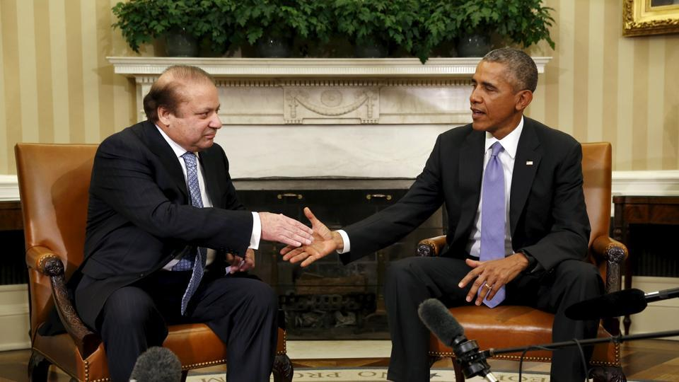 US President Barack Obama meets Pakistan's Prime Minister Nawaz Sharif in the Oval Office of the White House in Washington