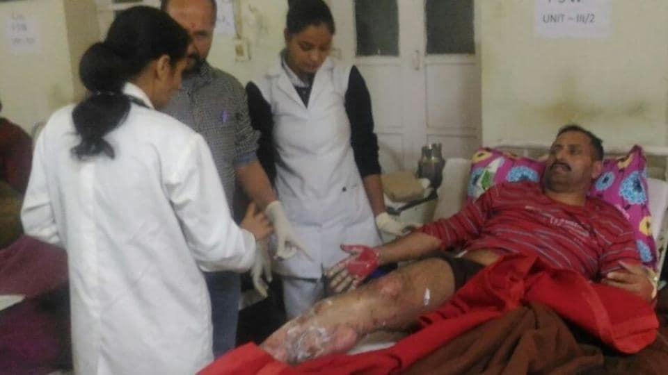 Three held,cutting,elderly Sikh