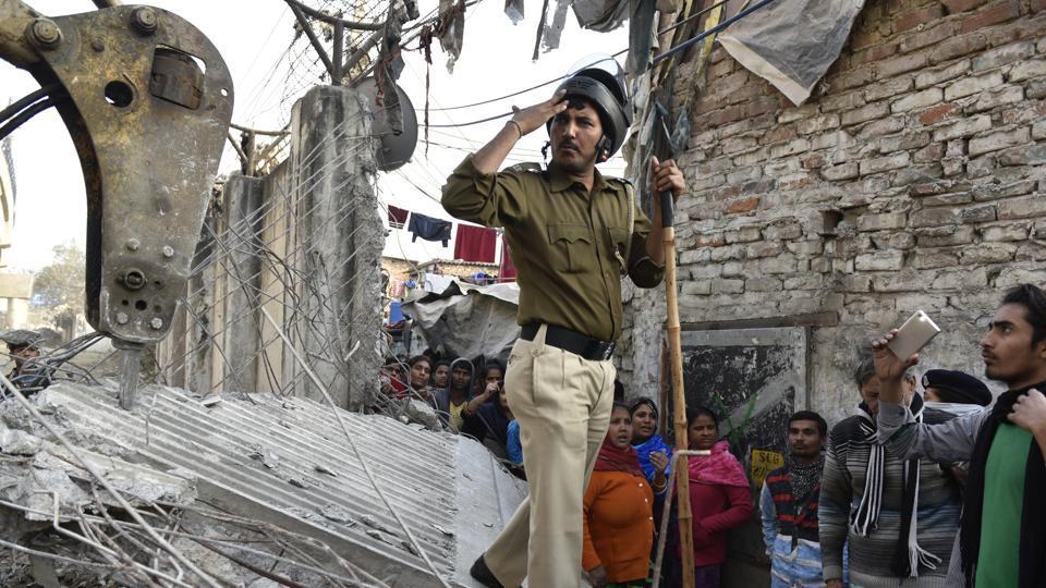 The entire community of street performers has been worried for the last few days due to deployment of police and paramilitary forces in the colony.