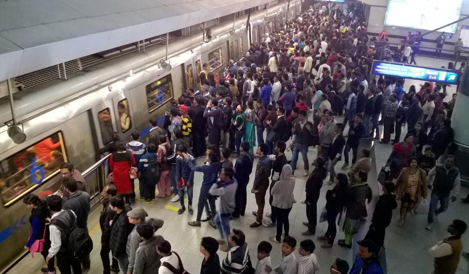 Delhi Metro,Metro station,pickpockets
