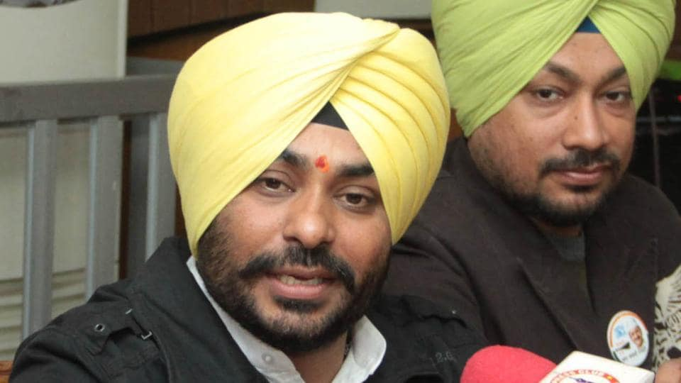 AAP candidate from Jalandhar Cantonment H S Walia during a press conference at Press Club in Jalandhar on Tuesday.
