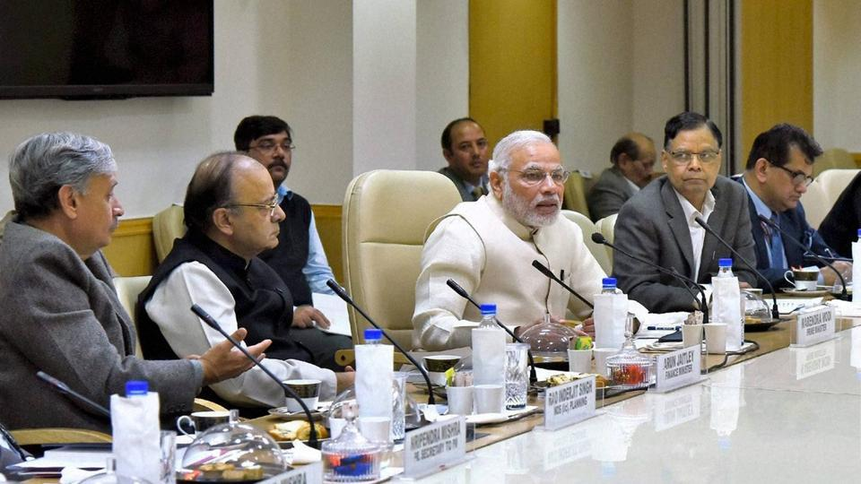 Prime Minister Narendra Modi meets with the economists and other experts at a NITI Aayog-organised session in New Delhi on Tuesday.