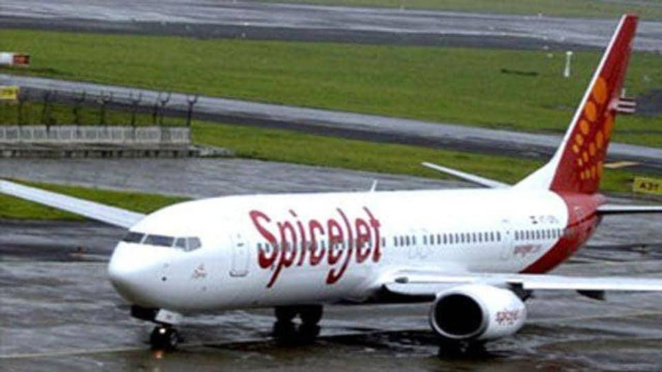 SpiceJet,Indigo,Indira Gandhi international airport