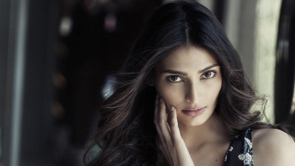 Athiya Shetty says Sonam Kapoor is a really sweet and warm person.
