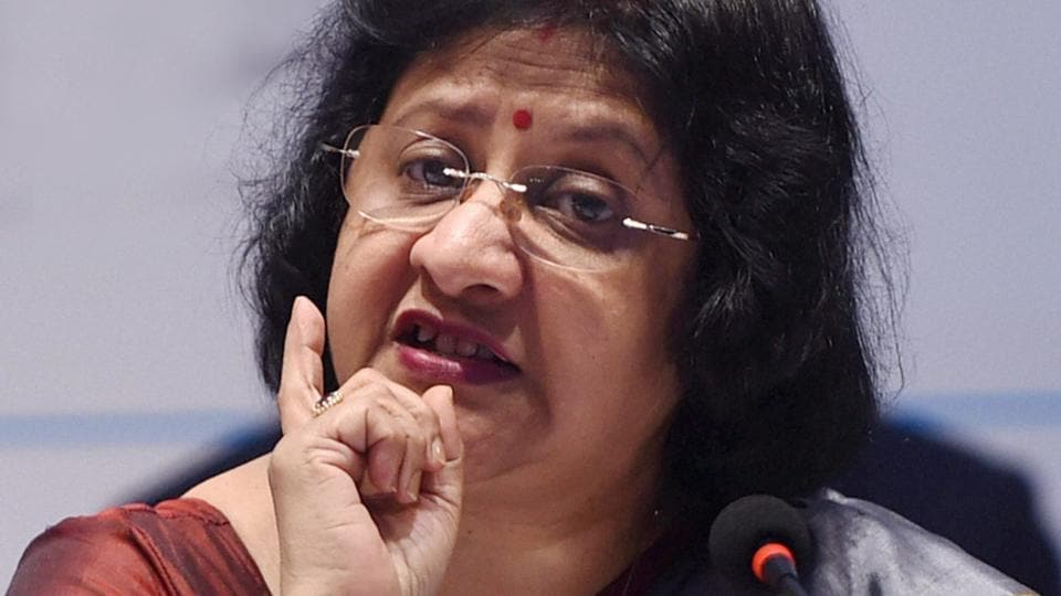 SBI chairman Arundhati Bhattacharya feels a cashless economy will usher in efficiencies