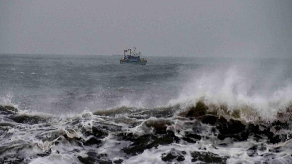 Cyclone Vardah,Fishermen,Sirkazhi coast