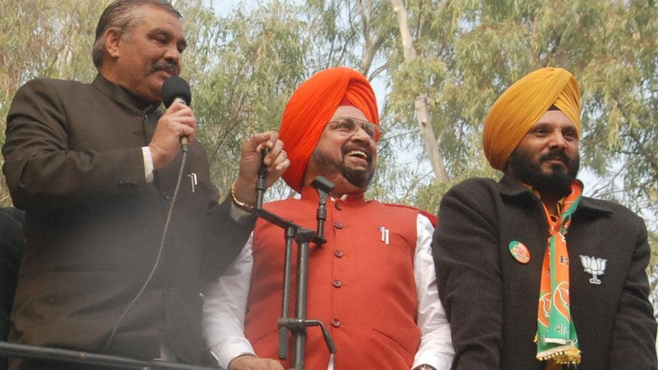 Punjab BJP chief Vijay Sampla at the launch of Vijay Sankalp Yatra at Hussainiwala in Ferozepur district on Thursday.