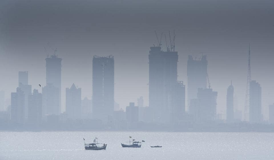 A pollution forecast has said the air quality in Mumbai over the next two days is expected to be 'very poor'.