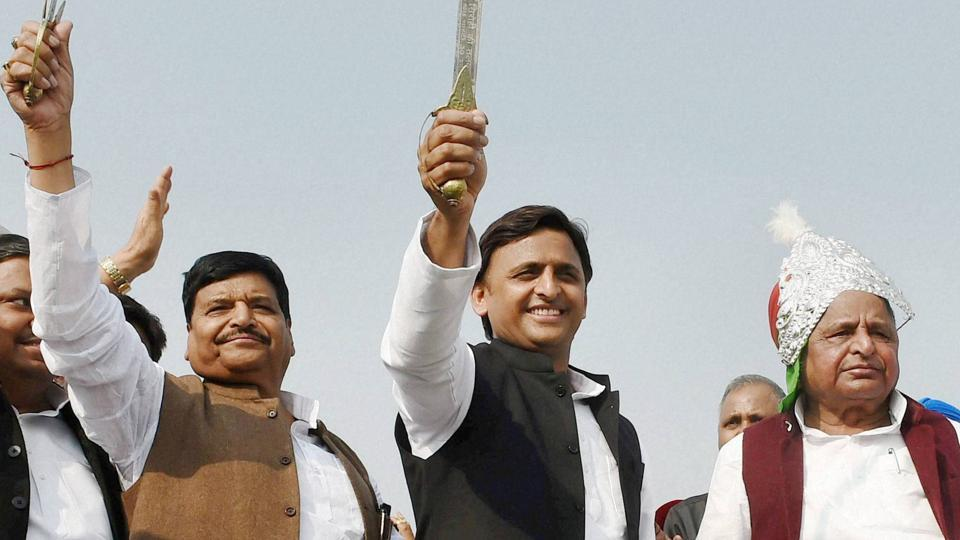 Uttar Pradesh Chief Minister Akhilesh Yadav is flanked by his father Mulayam (R) and uncle Shivpal in this picture from a time when their family was united.