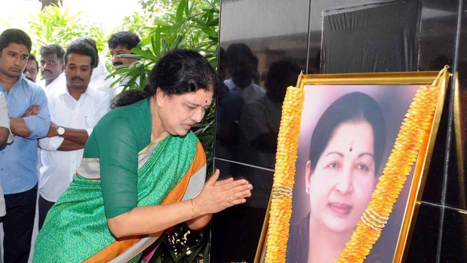 Sasikala Natarajan paying tributes to Jayalalithaa in Chennai.