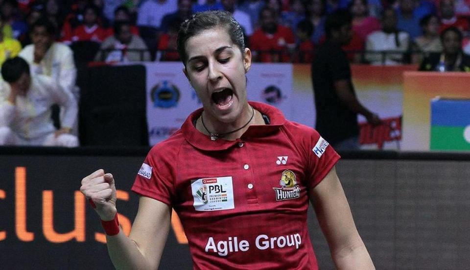 Carolina Marin beat PV Sindhu in the opening match of Premier Badminton League 2017 as Hyderabad Hunters took a 1-0 lead against Chennai Smashers.