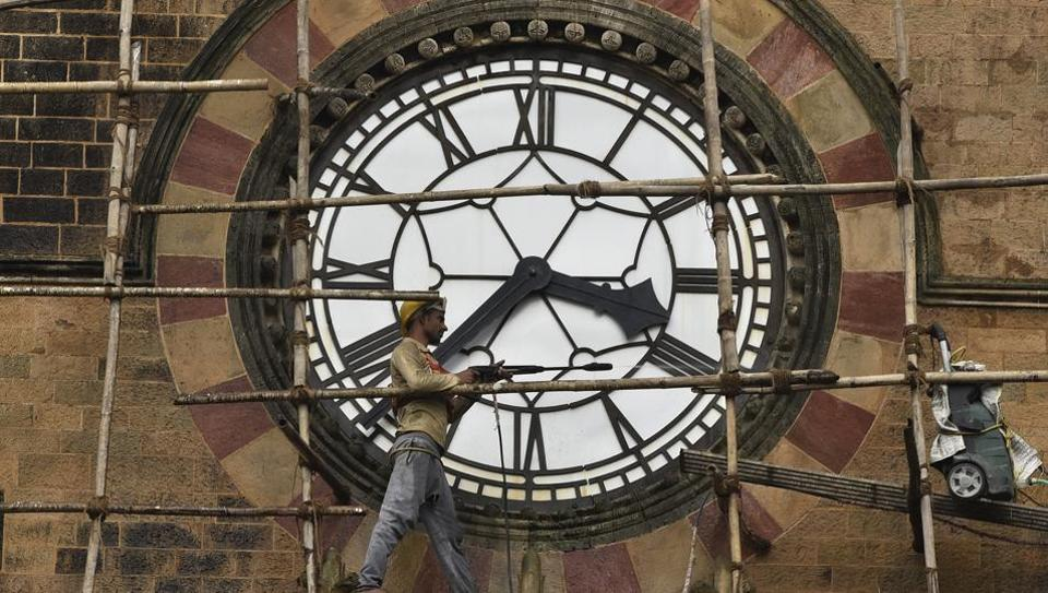 To compensate for slowdown in Earth's rotation, second added to Indian time - Hindustan Times